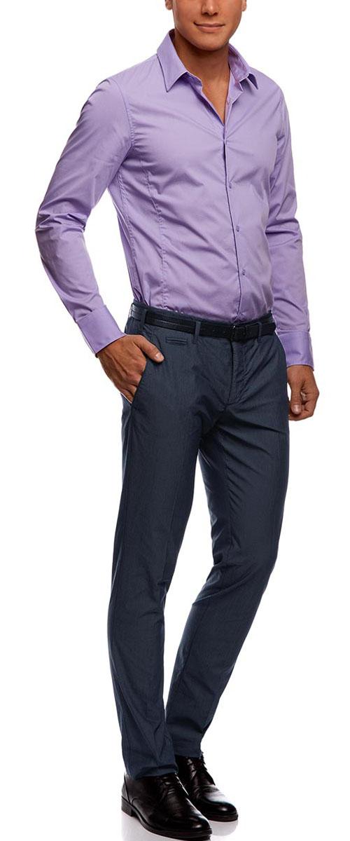 Брюки2L210157M/39547N/7910OМужские легкие брюки oodji Lab выполнены из высококачественного материала. Модель стандартной посадки застегивается на пуговицу в поясе и ширинку на застежке-молнии. Пояс имеет шлевки для ремня. Спереди брюки дополнены втачными карманами, сзади - прорезными.