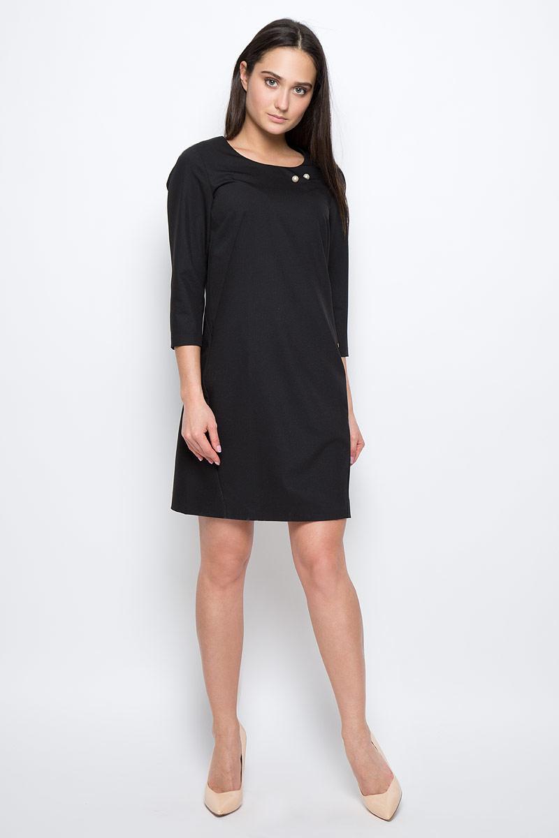 ПлатьеB17-11019Платье Finn Flare выполнено из полиэстера, вискозы и эластана. Модель с круглым вырезом горловины и рукавом ? оформлена декоративной булавкой. Платье миди застегивается сзади на молнию.