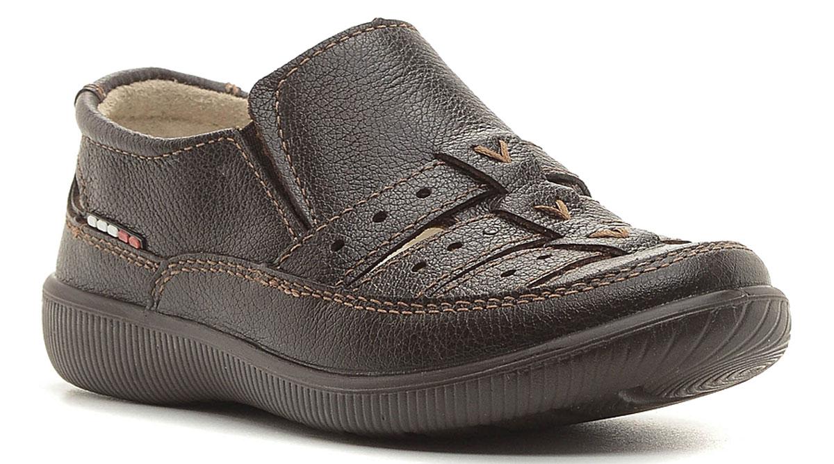 Туфли5430Модные туфли для мальчика выполнены из высококачественной натуральной кожи. Резинки, расположенные на подъеме, обеспечивают оптимальную посадку модели на ноге. Кожаная стелька с супинатором обеспечивает максимальный комфорт при движении. Подошва с рифлением обеспечивают отличное сцепление с поверхностью.