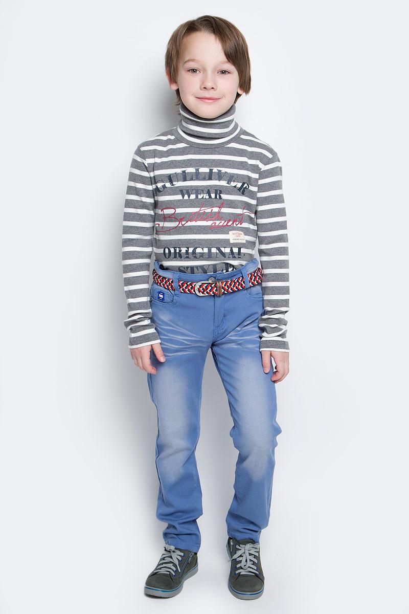 БрюкиSS162B408-9Брюки для мальчика Nota Bene изготовлены из эластичного хлопка. Модель стилизована под джинсы. Прямые брюки застегиваются на застежку-молнию и пуговицу на поясе. Обхват талии регулируется внутренней эластичной резинкой на пуговицах. Модель дополнена двумя втачными карманами и маленьким накладным кармашком спереди, а также двумя накладными карманами сзади. В комплект входит плетеный ремень с металлической пряжкой.