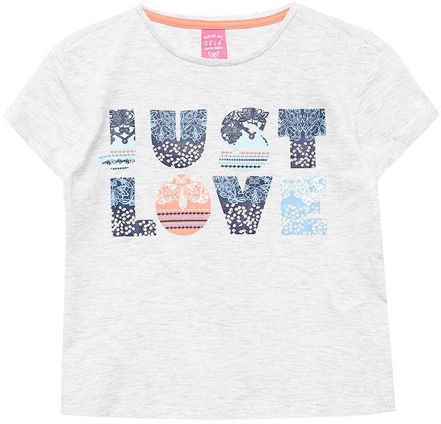 ФутболкаTs-611/955-7151Яркая футболка для девочки Sela станет отличным дополнением к гардеробу юной модницы. Модель прямого кроя изготовлена из натурального хлопка и оформлена оригинальным принтом в виде надписи Just love.