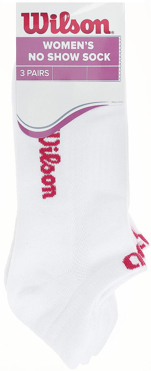 Комплект носков для теннисаWRA523700Женские носки для тенниса Wilson No Show Sock изготовлены из высококачественного эластичного хлопка с добавлением полиэстера и нейлона. Укороченные носки имеют эластичную резинку, которая надежно фиксирует носки на ноге. Модель полностью скрывается обувью. В комплект входят 3 пары носков.