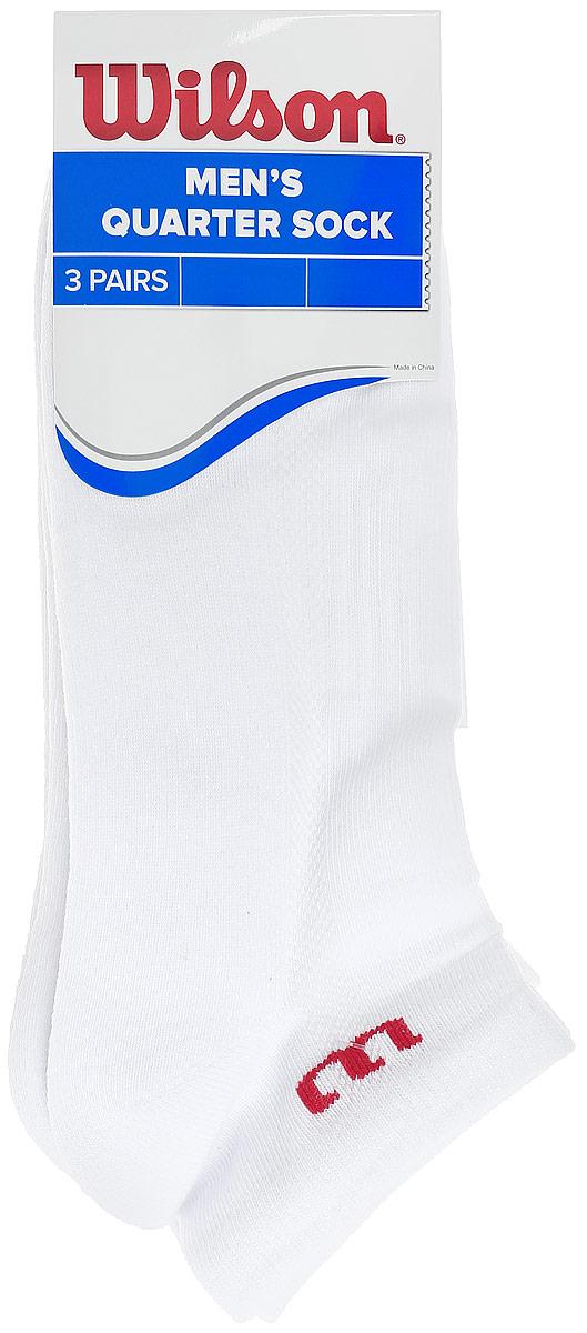 Комплект носков для теннисаWRA512700Мужские носки для тенниса Wilson Quarter Sock изготовлены из высококачественного эластичного хлопка с добавлением полиэстера и нейлона. Укороченные носки имеют эластичную резинку, которая надежно фиксирует носки на ноге. В комплект входят 3 пары носков.