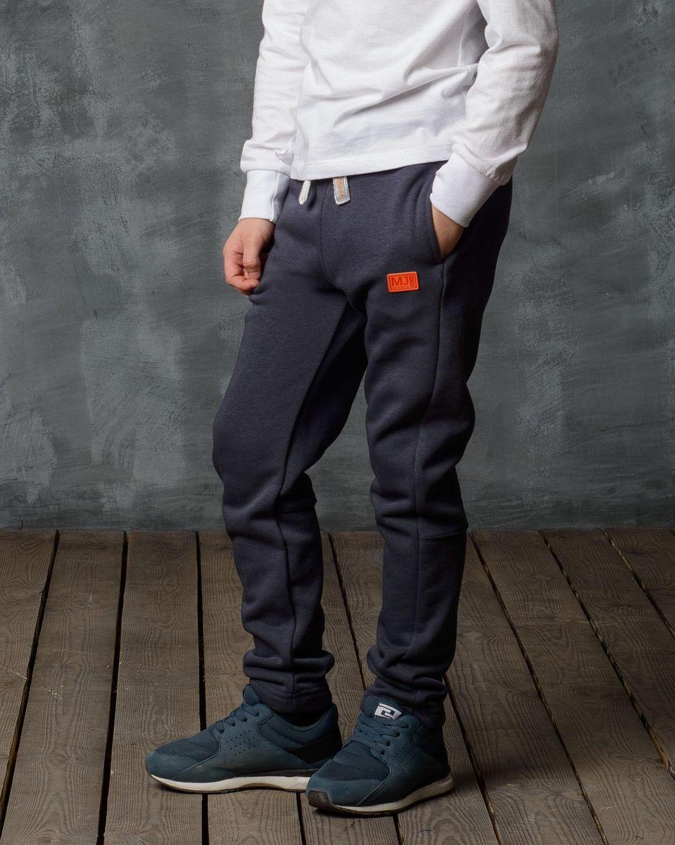 Брюки спортивные15B00070702/MJ_AUTHENTIC/Спортивные брюки Modniy Juk изготовлены из высококачественной мягкой ткани. Модель прямого кроя с комфортным мягкий поясом и манжетами из трикотажной резинки. Брюки дополнены боковыми карманами. Яркая нашивка в стиле Modniy Juk.