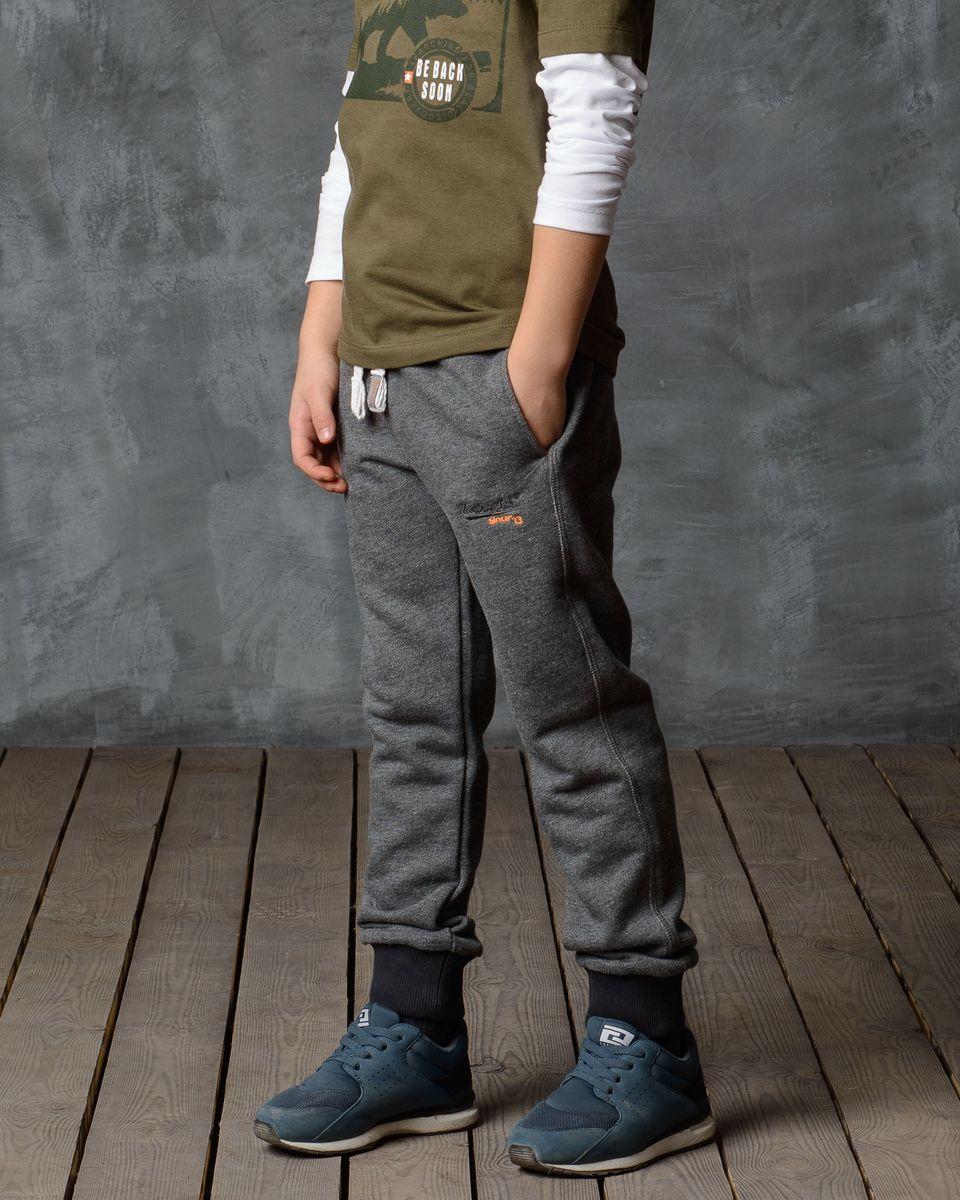 Брюки спортивные15В00030701/M_J_SINCE_13/Спортивные брюки Modniy Juk изготовлены из высококачественной мягкой ткани. Модель полуприлегающего силуэта. Комфортный мягкий пояс и манжеты из трикотажной резинки. Брюки дополнены боковыми карманами.