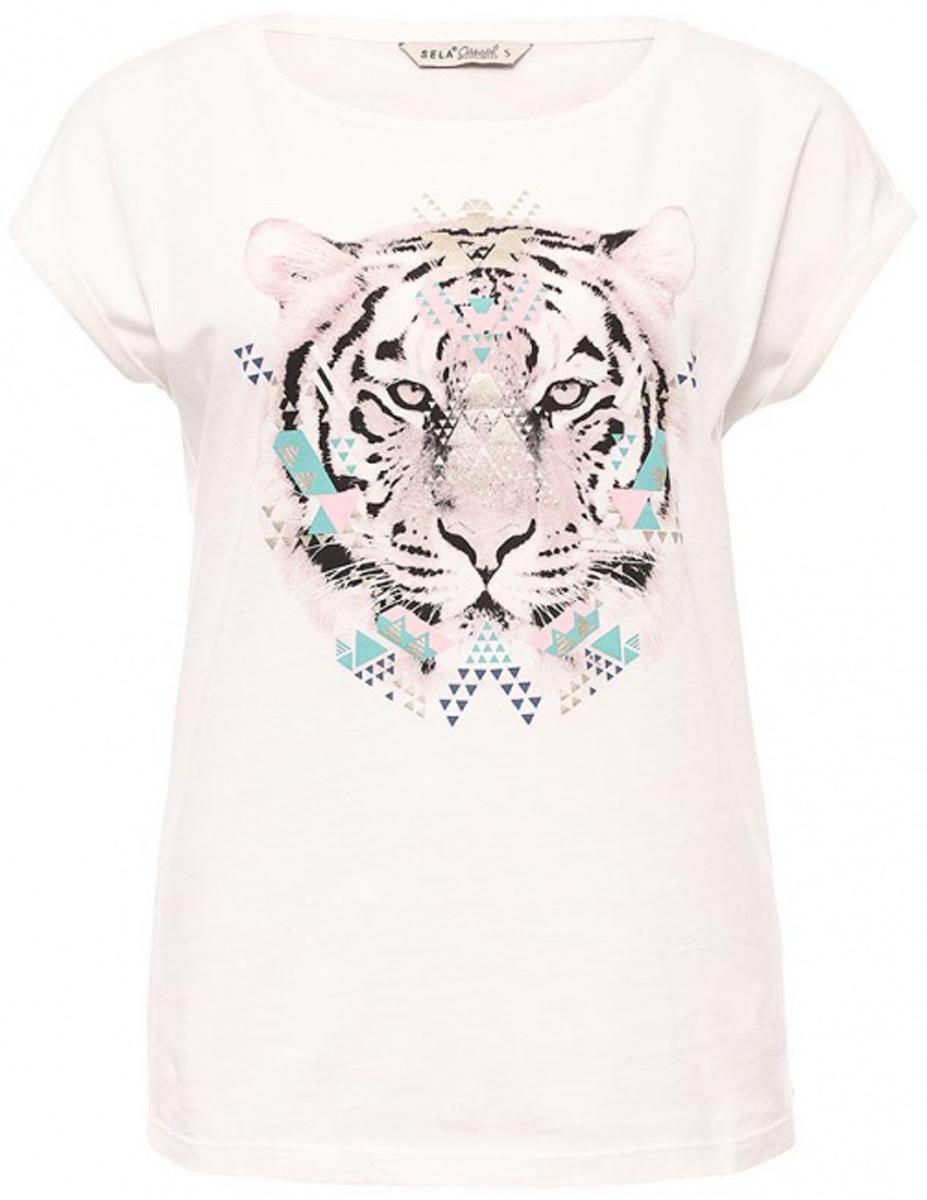 ФутболкаTs-311/1209-7111Оригинальная женская футболка Sela станет отличным дополнением к гардеробу каждой модницы. Модель полуприлегающего силуэта изготовлена из натурального хлопка и оформлена ярким принтом. Воротник дополнен мягкой эластичной бейкой. Универсальный цвет позволяет сочетать модель с любой одеждой.