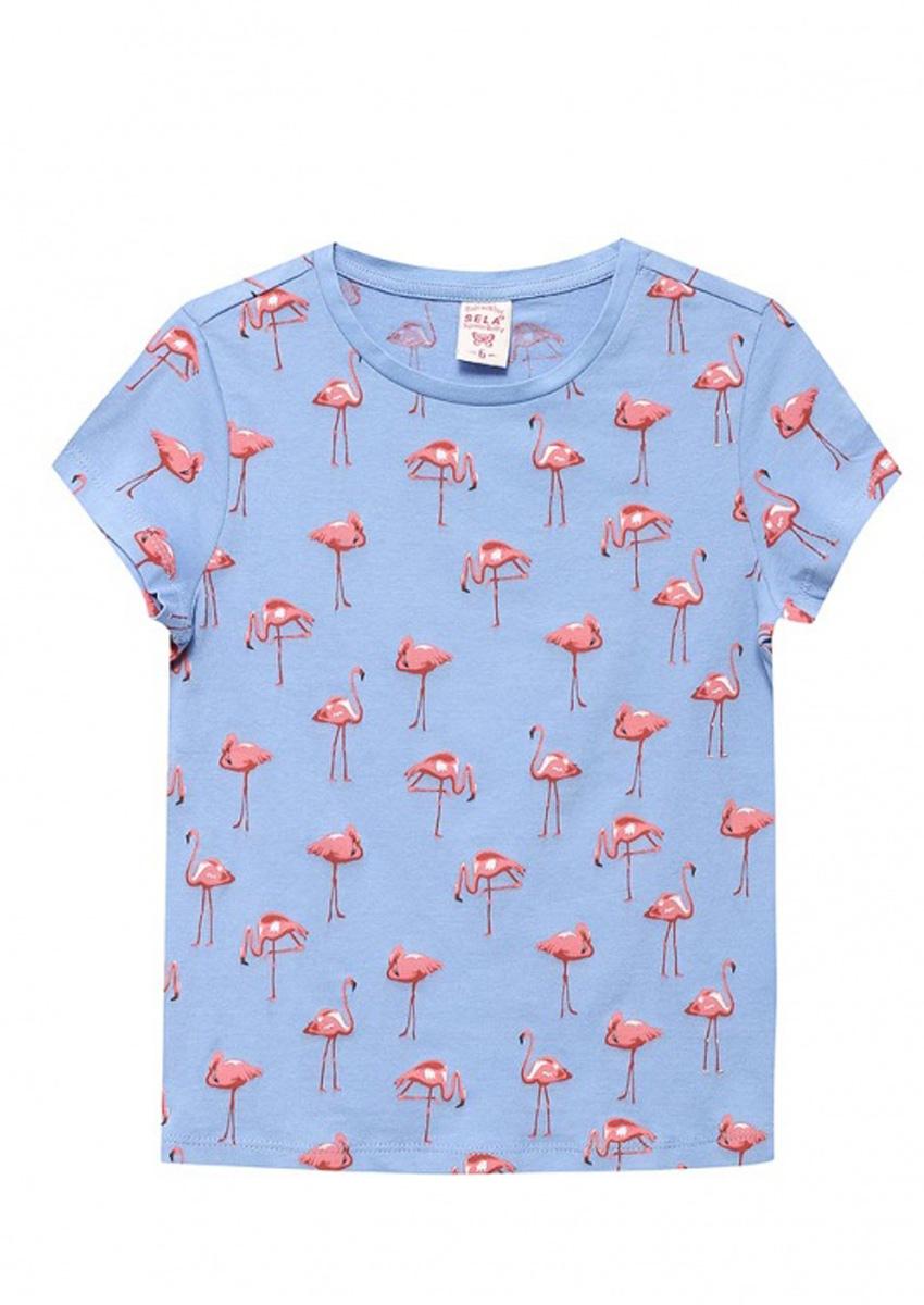 ФутболкаTs-511/316-7110Стильная футболка для девочки Sela станет отличным дополнением к гардеробу юной модницы. Футболка прямого кроя изготовлена из натурального хлопка и оформлена оригинальным принтом. Воротник дополнен мягкой эластичной бейкой.