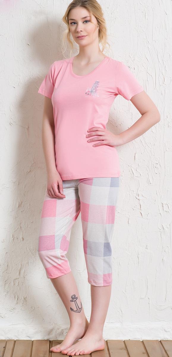 Домашний комплект512016 5394Домашний женский костюм Vienettas Secret, состоящий из футболки и бридж, изготовлен из натурального хлопка. Футболка с круглым вырезом горловины и короткими рукавами оформлена принтом с небольшим изображением башни. Бриджи с эластичным поясом имеют утягивающий шнурок, который улучшает посадку на талии. Выполнено изделие принтом в крупную клетку.