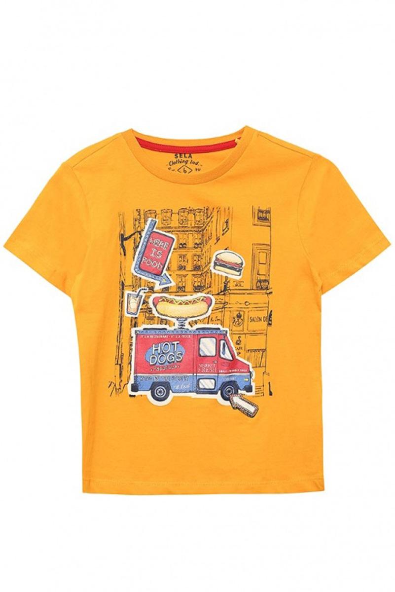 ФутболкаTs-711/510-7111Стильная футболка для мальчика Sela изготовлена из натурального хлопка и оформлена оригинальным принтом. Воротник дополнен мягкой трикотажной резинкой. Яркий цвет модели позволяет создавать модные образы.