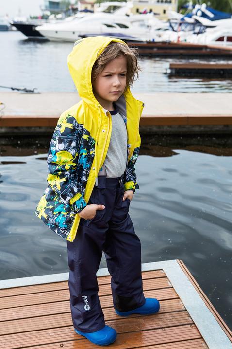 Комплект верхней одежды2su716Демисезонный костюм из куртки и брюк для мальчика. Современные технологии и оригинальный дизайн. Верхняя одежда из мембраны от канадского бренда At-Play! производится по самым высоким стандартам качества. Используются только самые качественные материалы: фурнитура YKK, новейший утеплитель shelter, мембранные технологии, проклеенные швы – все на страже комфорта и тепла вашего ребенка. Грязе- и водоотталкивающее покрытие Teflon облегчает уход за этой одеждой – после прогулки достаточно протереть поверхность влажной губкой. Конструкция куртки и брюк позволяет ребенку свободно двигаться, надежно защищая при этом от ветра и влаги. Лучшее решение для прогулки весной – костюм от канадского бренда At-Play!