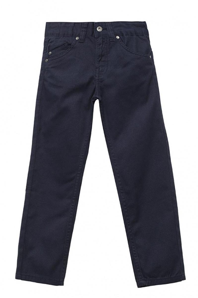 БрюкиP-715/300-7161Стильные брюки для мальчика Sela выполнены из натурального хлопка. Брюки прямого кроя и стандартной посадки на талии застегиваются на пуговицу и имеют ширинку на застежке-молнии. На поясе имеются шлевки для ремня. Модель представляет собой классическую пятикарманку: два втачных и один маленький накладной кармашек спереди и два накладных кармана сзади.