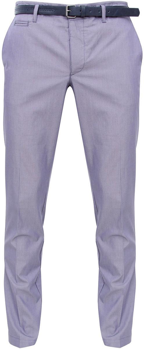 Брюки2L210120M/39547N/7910OМужские брюки oodji Lab выполнены из высококачественного материала. Модель стандартной посадки застегивается на пуговицу в поясе и ширинку на застежке-молнии. Пояс имеет шлевки для ремня. Спереди брюки дополнены втачными карманами, сзади - прорезными.