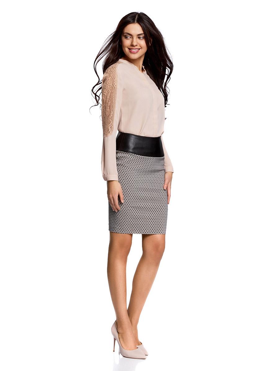 Юбка11602170-3/31266/1229GСтильная юбка облегающего силуэта выполнена из высококачественного материала. На поясе юбка дополнена вставкой из искусственной кожи. Сзади модель застегивается на металлическую застежку-молнию.