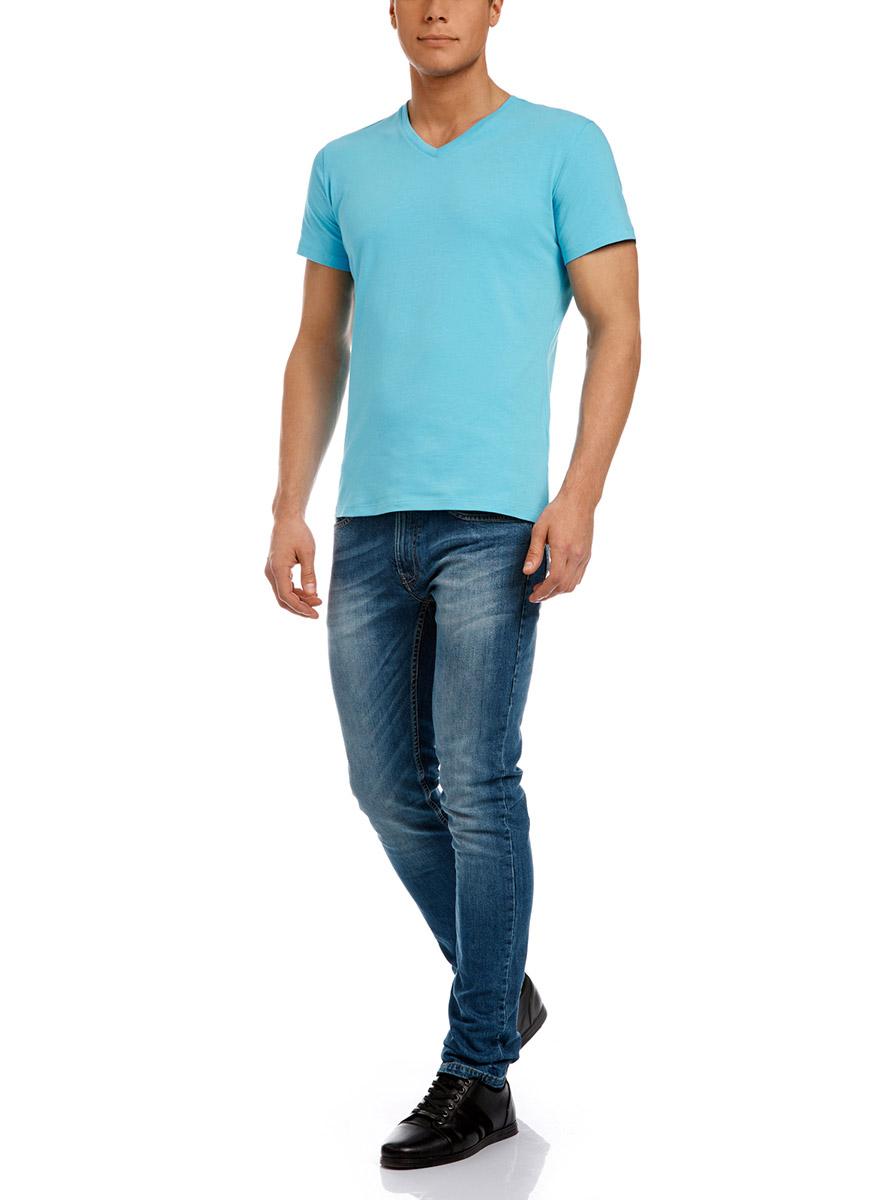 Футболка5B612000M/39230N/6500NМужская футболка oodji изготовлена из натурального высококачественного хлопка с добавлением эластана. Выполнена с V-образным воротом и классическими короткими рукавами.
