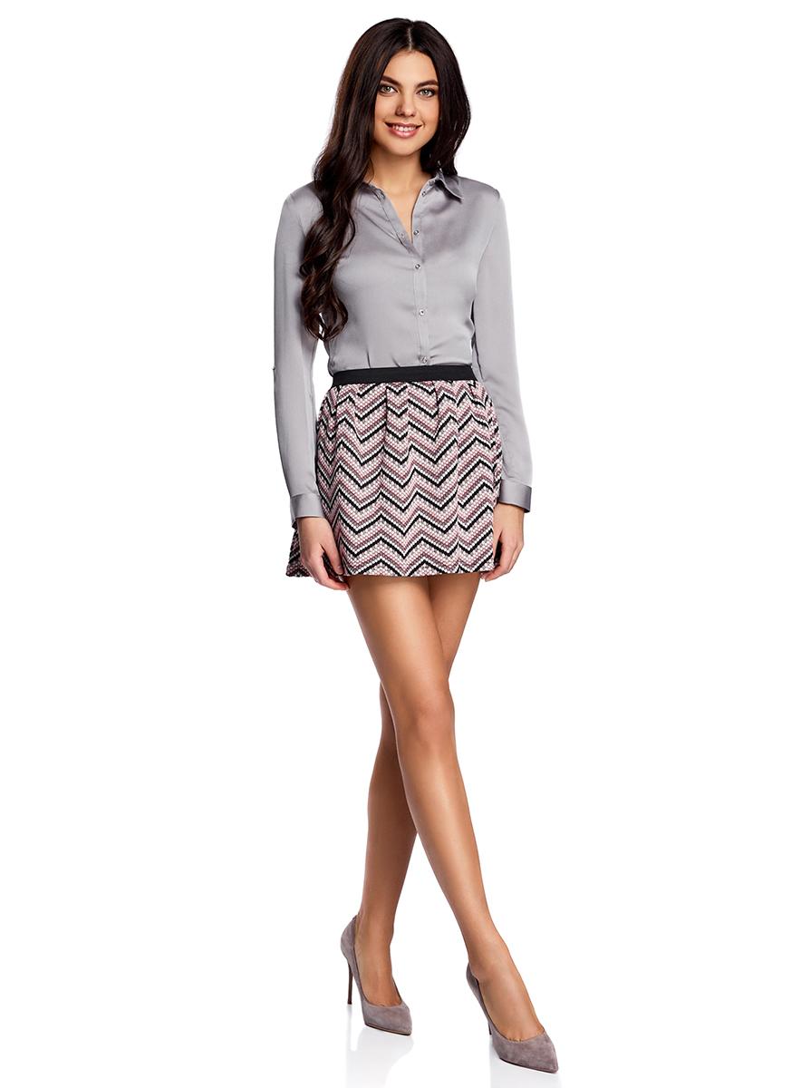 Юбка14100019-4/46478/2941SРасклешенная мини-юбка выполнена из фактурной ткани. Сзади юбка застегивается на металлическую застежку-молнию.