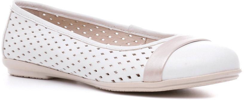Балетки842117БЛБалетки Sinty-D линии Modern — отличное дополнение летнего гардероба маленькой модницы. Из-за удобства и элегантной простоты они попали в тренд последних лет, который покидать не собираются. Благодаря невесомой подошве ТЭП, крупной перфорации, единственному изыску в виде ленточки вокруг закрытого носка модель отлично подходит для ежедневной носки.