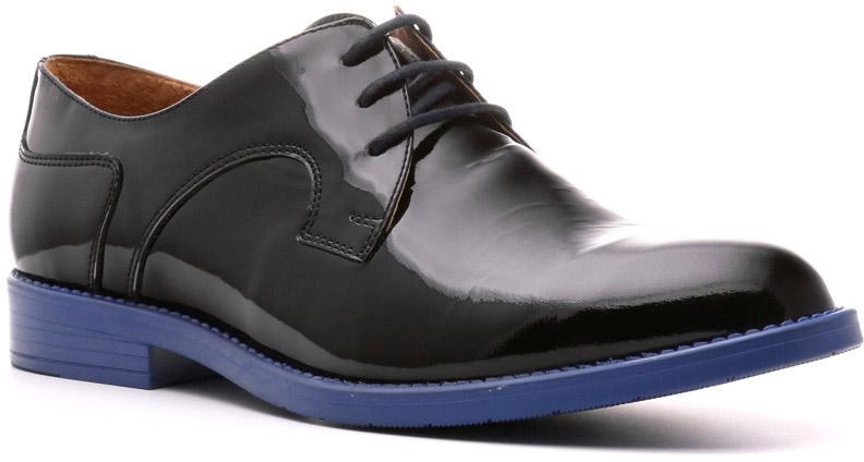 Полуботинки967107ЧСЛаковые полуботинки Stella — великолепное воплощение концепции шик и контраст женской обуви трендовой линии Modern. Это обувь для креативных женщин, ломающих стереотипы. Сочетание цветов обеспечивают широкое поле для самых смелых комбинаций гардероба и необычных образов.