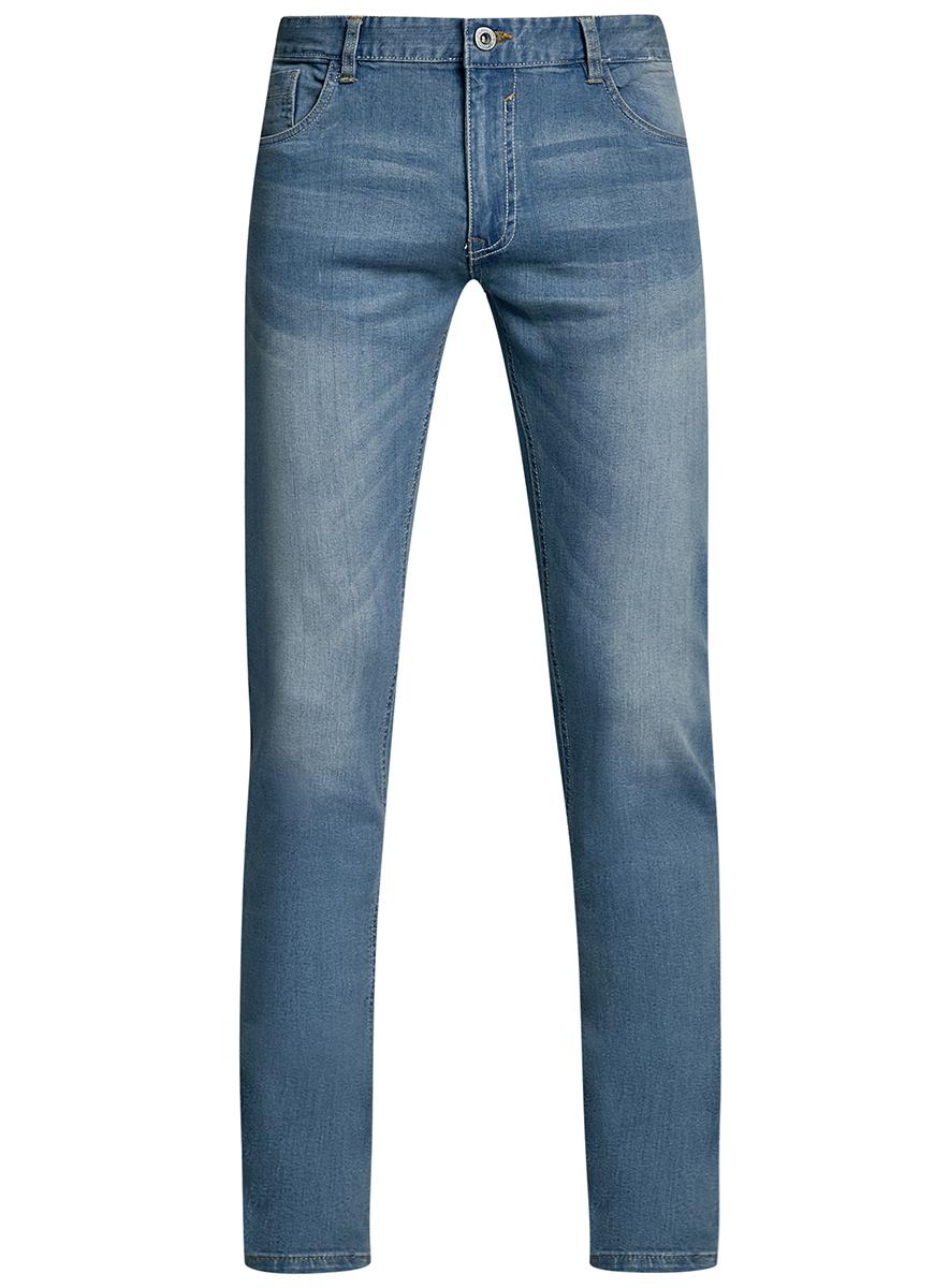 Джинсы6B120045M/45594/7400WМужские джинсы oodji Basic выполнены из высококачественного материала. Модель-слим средней посадки по поясу застегивается на пуговицу и имеют ширинку на застежке-молнии, а также шлевки для ремня. Джинсы имеют классический пятикарманный крой: спереди - два втачных кармана и один маленький накладной, а сзади - два накладных кармана.