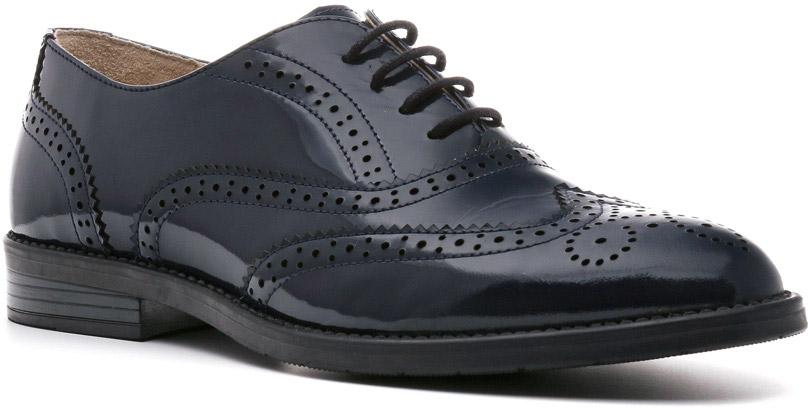 Броги967106ТСЛаковые броги Stella — отличная реализация концепции шик и контраст женской обуви трендовой линии Modern. Темный верх, светлая кожаная подкладка, утолщенная подошва делают модель по-настоящему демисезонной. Изящные линии, шнуровка в четыре ряда тонким шнурком, классическая форма делают эту деловую обувь женственной и стильной.