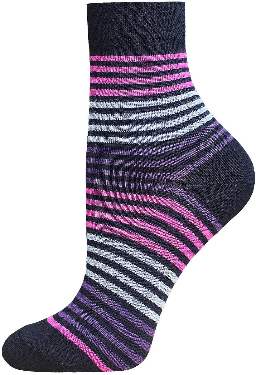 Носки14С1100/014Женские носки Брестские Classic выполнены из хлопка с добавлением полиэстера и эластана. Модель средней длины оформлена принтом в полоску.