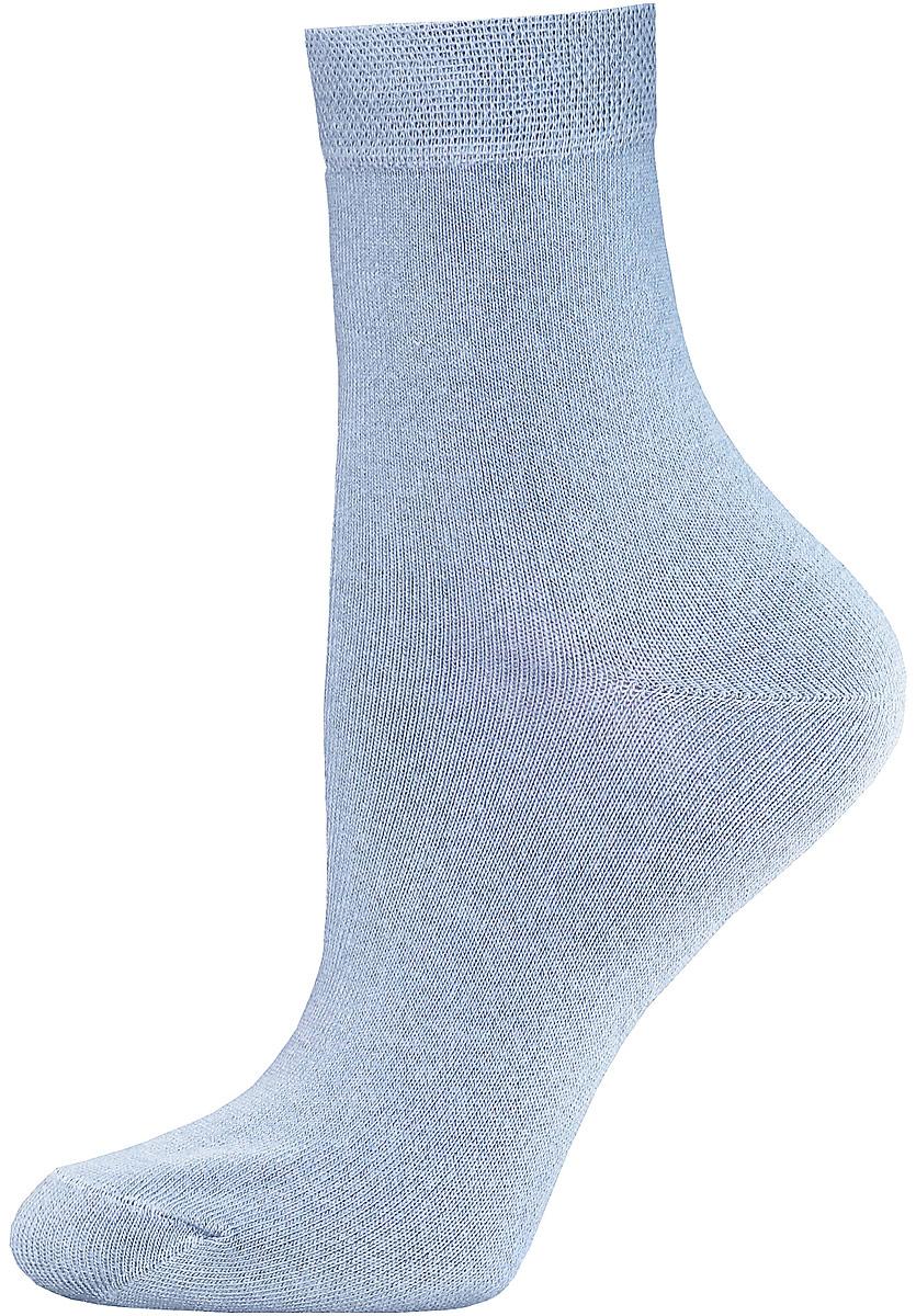 Носки14С1100/000Женские гладкие носки Брестские Classic изготовлены из хлопка с добавлением полиэстера и эластана. Однотонная модель средней длины имеет мягкую комфортную резинку.