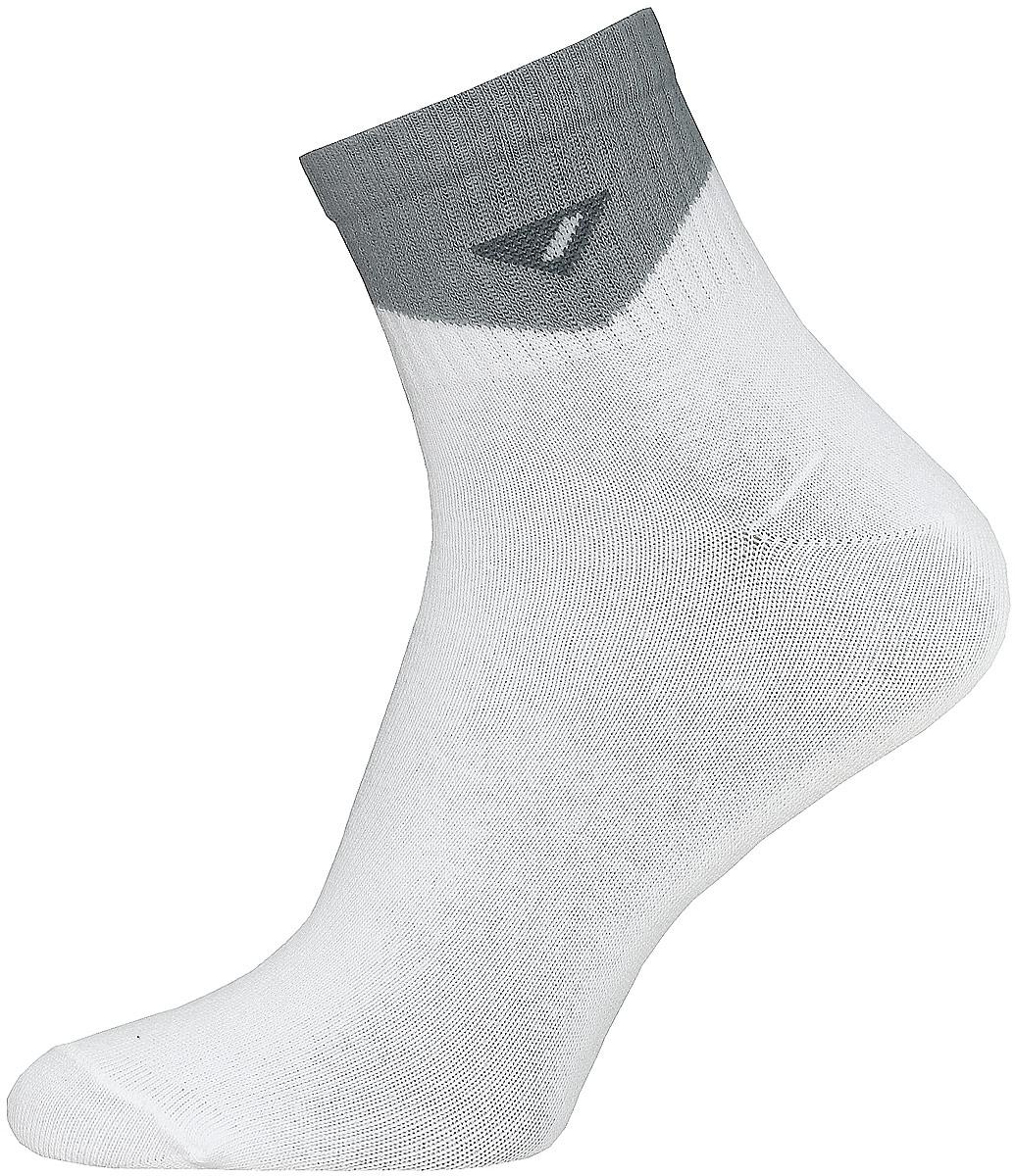 Носки14С2314/020Мужские носки Брестские Active, изготовленные из хлопка с добавлением полиэстера и эластана, идеально подойдут для занятий спортом. Укороченная модель имеет мягкую резинку с двойным бортом. Носки хорошо держат форму и обладают повышенной воздухопроницаемостью. Усиленные пятка и мысок обеспечивают надежность и долговечность.