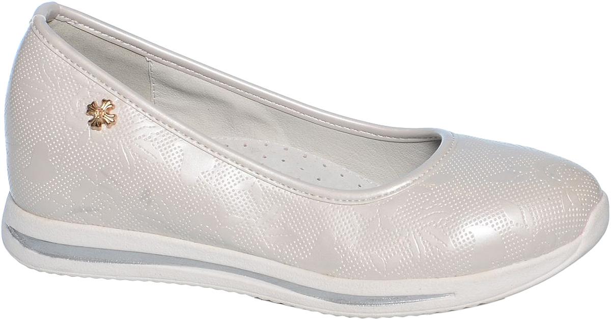 ТуфлиB-1024-BСтильные туфли для девочки Tom&Miki выполнены из качественной искусственной кожи с оригинальным рельефным принтом. Кожаная стелька с супинатором придаст максимальный комфорт при движении. Туфли оформлены оригинальным декоративным элементом.
