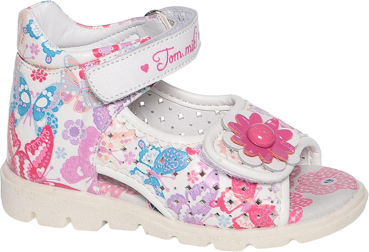 СандалииB-1172-HУдобные и красивые сандалии от Tom&Miki придутся по душе вашей девочке. Модель выполнена из качественной комбинированной кожи. Внутренняя часть и стелька изготовлены из натуральной кожи. Ремешок с застежкой-липучкой прочно закрепит модель на ножке. Носочная часть, как и ремешок, дополнена липучками. Подошва оснащена рифлением для лучшего сцепления с различными поверхностями.