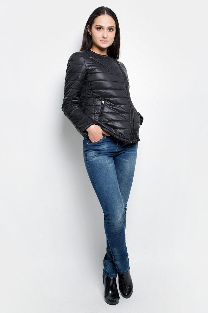 КурткаB037038_BlackЖенская куртка Baon c длинными рукавами выполнена из прочного полиамида. Наполнитель - синтепон. Модель застегивается на застежку-молнию спереди. Изделие имеет три прорезных кармана на застежках-молниях спереди.