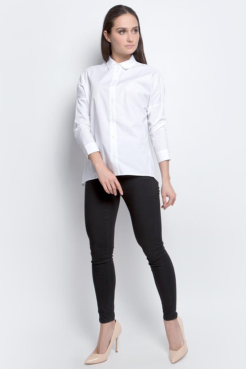 РубашкаB177014_WhiteЖенская рубашка Baon выполнена из хлопка с добавлением эластана. Модель с длинными рукавами и отложным воротником застегивается на пуговицы.