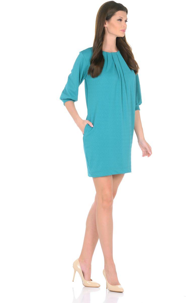 Платье3285-10Трикотажное платье от Rosa Blanco совмещает в себе комфорт и элегантность. Платье идеально подходит как для офиса, так и для более непринужденной обстановки. Модель нарочито лаконичного прямого кроя наделена неповторимой выразительностью благодаря фактурной ткани. Складки у круглого выреза и рукава ? на манжетаж подчеркивают женственную элегантность модели. В боковом шве расположены карманы. Простота кроя и минимум отделки позволят Вам поэкспериментировать с аксессуарами. Создавайте Ваш стиль с удовольствием. Ткань - плотный трикотаж, характеризующийся эластичностью, растяжимостью и мягкостью. Состав ткани: 72% вискоза, 25% полиэфир, 3% лайкра. Рост модели на фото 170 см (+ каблук).