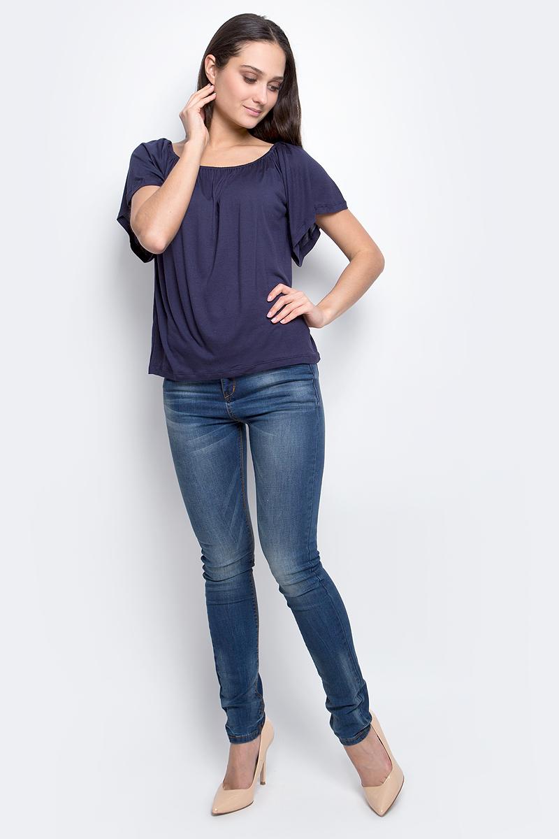 ФутболкаB237048_Ice BlueЖенская футболка Baon выполнена из 100% вискозы. Модель с короткими рукавами и круглым вырезом горловины.