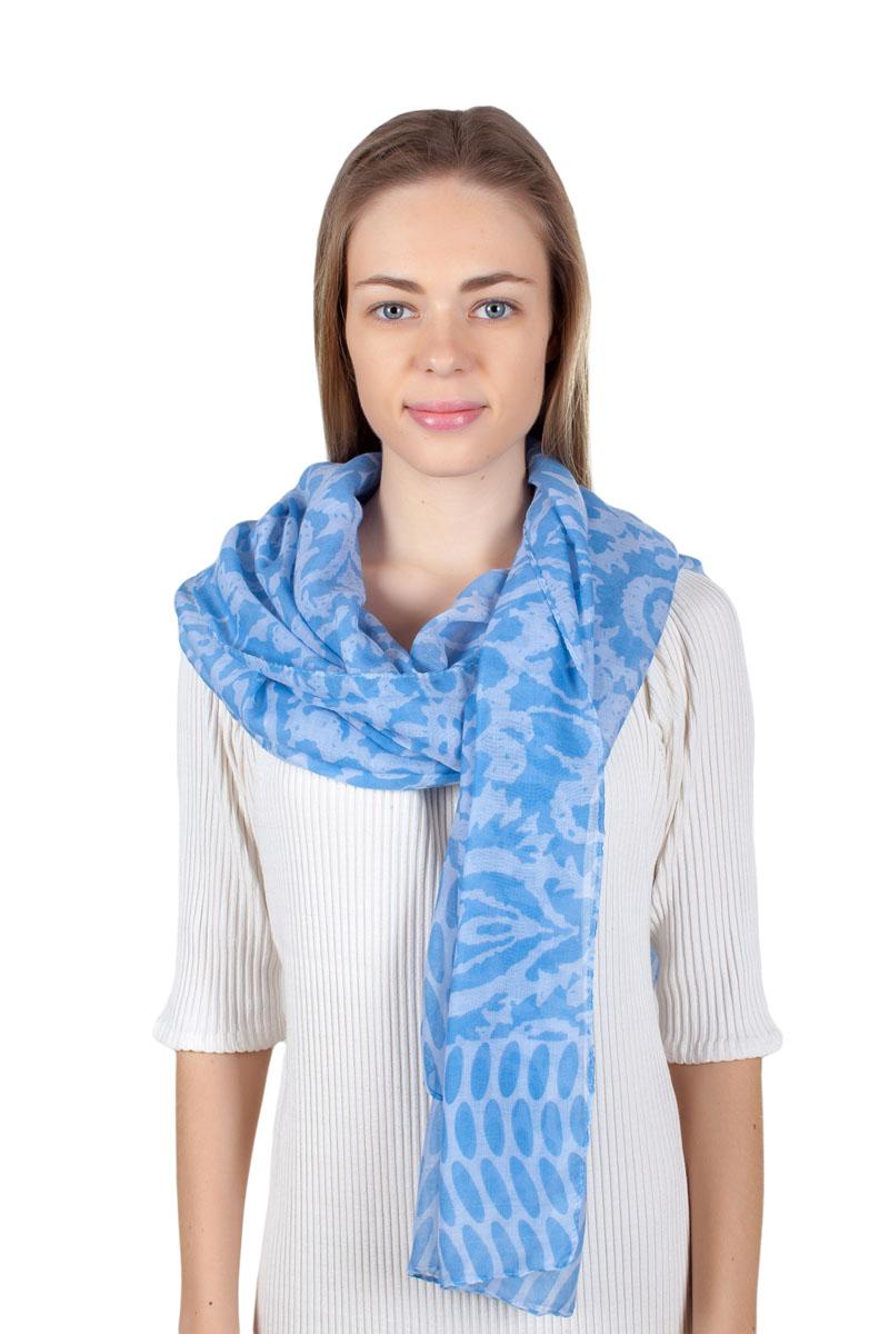 ПалантинQA-11733-4Стильный палантин Sophie Ramage изготовлен из модала и шелка. Изделие оформлено оригинальным принтом.