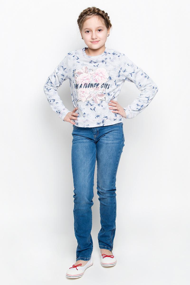 СвитшотSt-613/915-7131Стильный свитшот для девочки Sela изготовлен из натурального хлопка с добавлением полиэстера. Изнаночная сторона выполнена небольшими петельками. Свитшот с круглым вырезом горловины и длинными рукавами оформлен цветочным принтом с надписями и декорацией из металлических кнопок.
