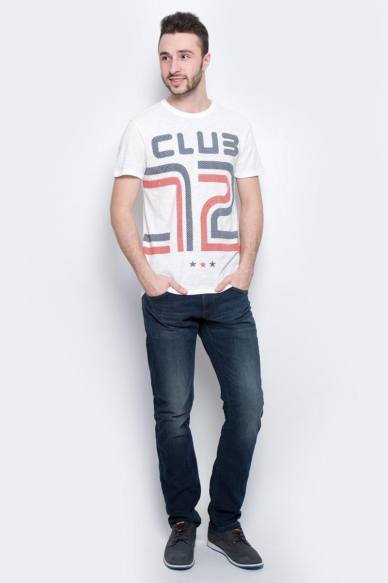 Футболка1037252.02.12_2132Мужская футболка Tom Tailor Denim выполнена из 100% хлопка. Модель с круглым вырезом горловины и стандартными короткими рукавами. Горловина и проймы рукавов снабжены эластичными бейками. Футболка дополнена оригинальным принтом.