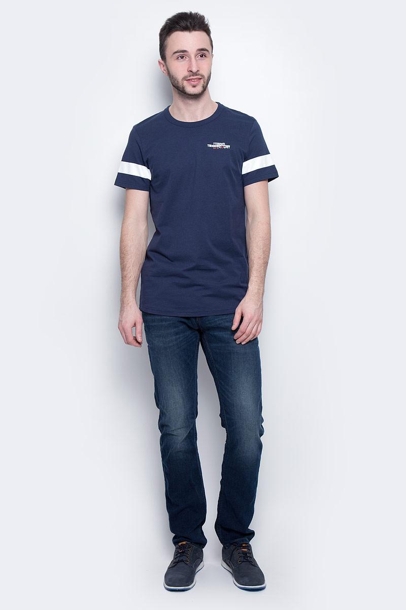 1037259.00.12_6740Мужская футболка Tom Tailor Denim выполнена из 100% хлопка. Модель с круглым вырезом горловины и стандартными короткими рукавами. Футболка дополнена оригинальным принтом.