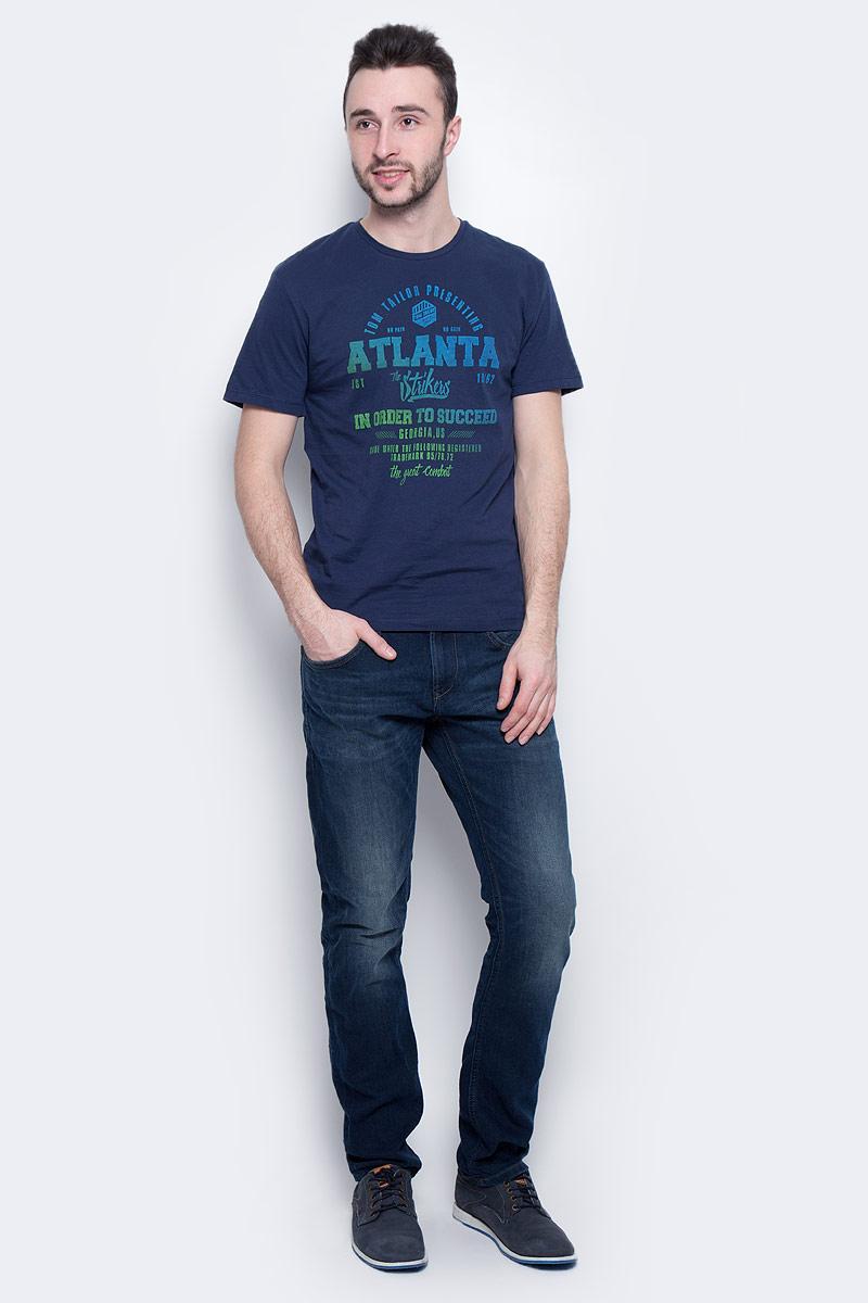 Футболка1036961.00.10_6740Мужская футболка Tom Tailor выполнена из натурального хлопка. Модель с круглым вырезом горловины и короткими рукавами оформлена принтовыми надписями.