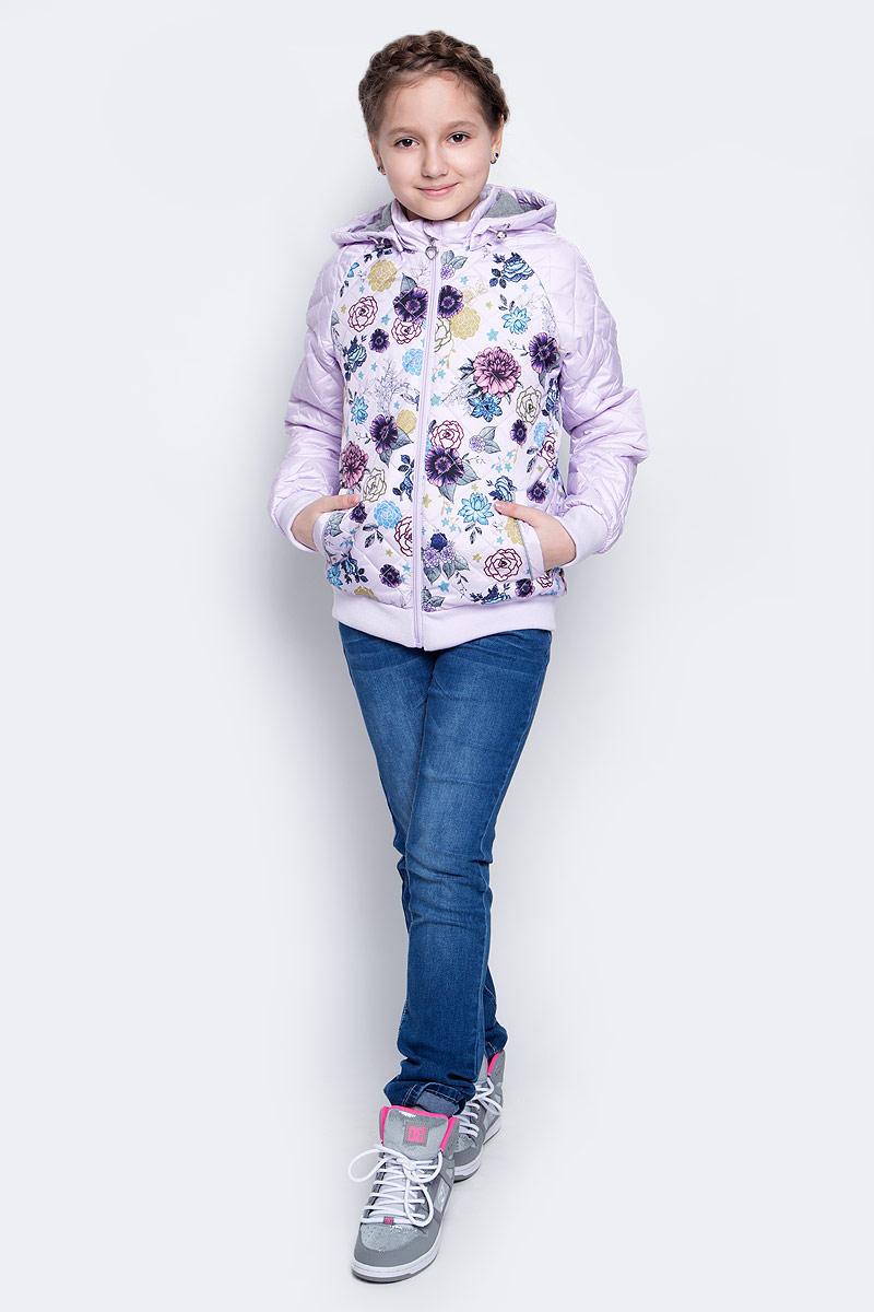 КурткаCp-626/635-7111Стильная куртка для девочки Sela отлично подойдет для прохладной весенней погоды. Верх куртки выполнен из стеганого полиэстера. Подкладка на спинке и груди изготовлена из хлопка, в рукавах - гладкий полиэстер для легкости одевания. Утеплитель выполнен из полиэстера. Модель застегивается на застежку-молнию. Куртка имеет длинные рукава реглан, воротник-стойку и отстегивающийся капюшон с утяжкой по краю. Низ куртки и манжеты рукавов дополнены эластичными резинками. С лицевой стороны расположены два прорезных кармана на кнопке. Внутри имеется потайной кармашек на пуговице. Перед и спинка куртки украшены цветочным рисунком.