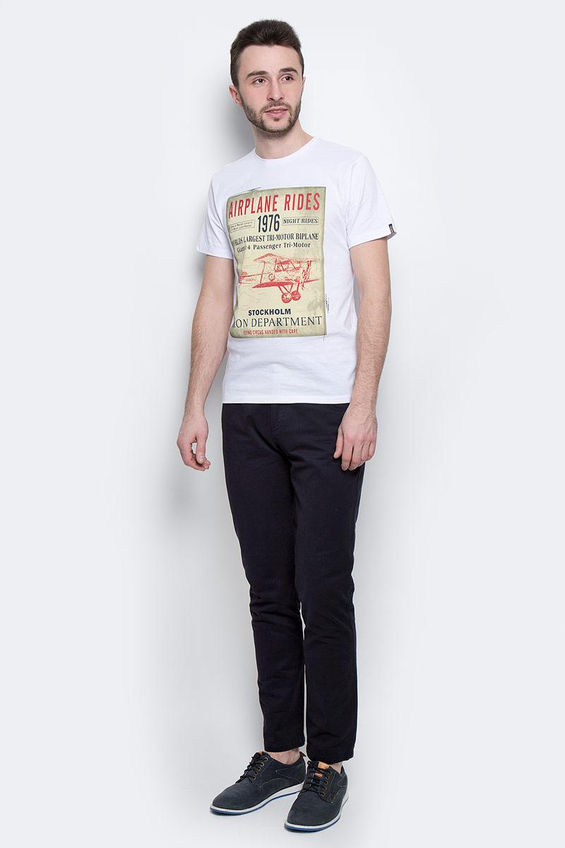 B737016_WhiteМужская футболка Baon выполнена из натурального хлопка. Модель с круглым вырезом горловины и короткими рукавами оформлена оригинальным принтом.