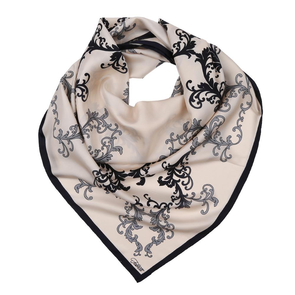 CX1617-37-1Изысканный женский платок выполнен из натурального шелка, который придает изделию неповторимый роскошный блеск и гладкость фактуры. Тонкая и прочная нить, создающая струящуюся ткать, подчеркнет изысканный вкус своей обладательницы.