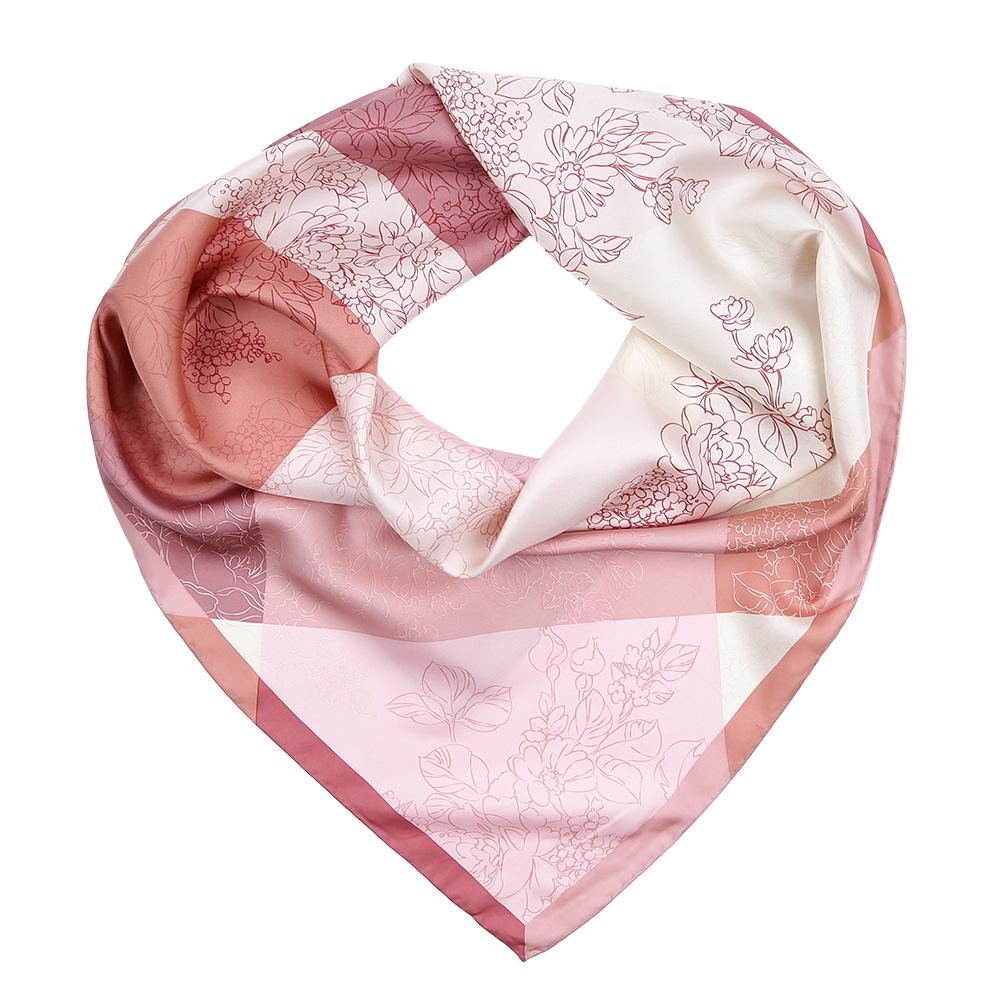 ПлатокCX1617-25-2Изысканный женский платок Fabretti выполнен из натурального шелка, который придает изделию неповторимый роскошный блеск и гладкость фактуры. Тонкая и прочная нить, создающая струящуюся ткать, подчеркнет изысканный вкус своей обладательницы.