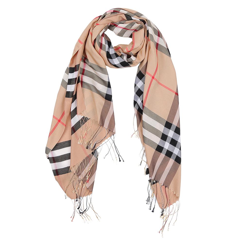ШарфF112-1Элегантный женский шарф от итальянского бренда Fabretti имеет неповторимую мягкость и легкость фактуры. Красочное сочетание цветов позволило дизайнерам создать изысканную модель, которая станет изюминкой любого весеннего образа.