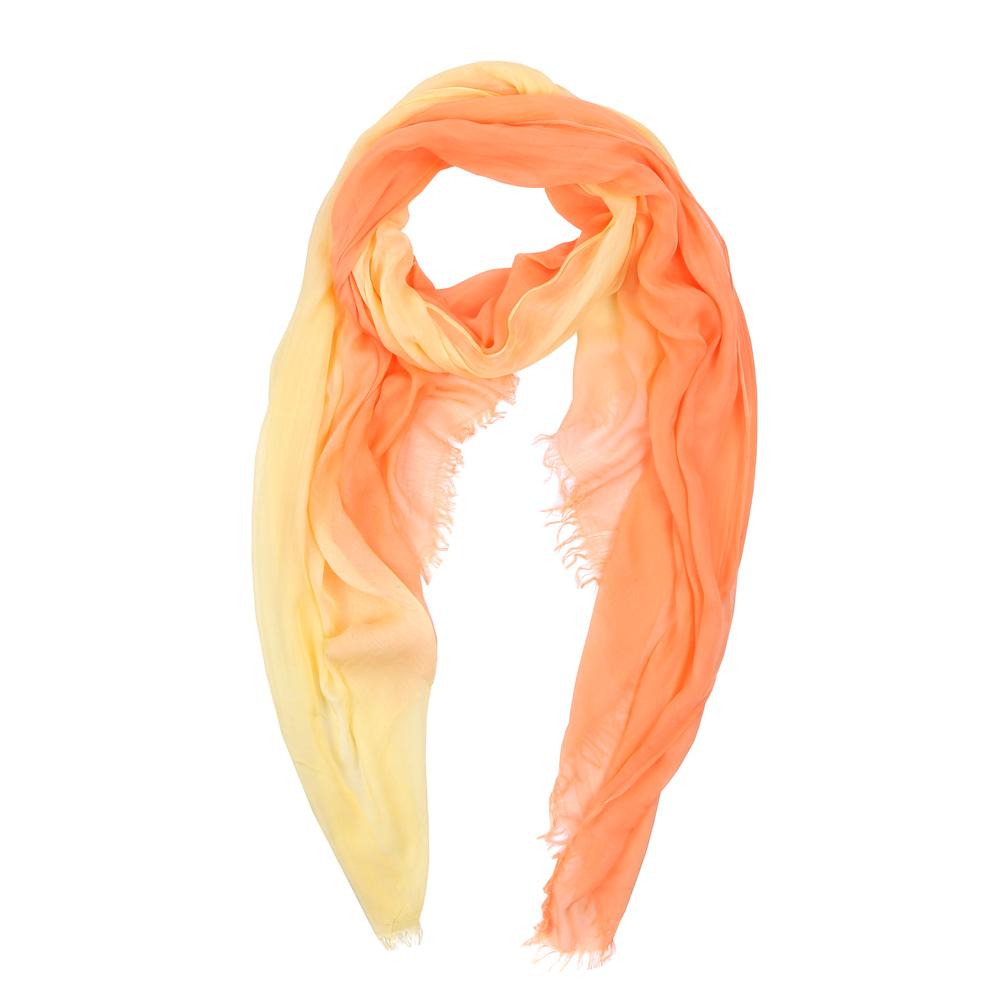 ШарфHV9001-1Элегантный женский шарф от итальянского бренда Fabretti имеет неповторимую мягкость и легкость фактуры. Красочное сочетание цветов позволило дизайнерам создать изысканную модель, которая станет изюминкой любого весеннего образа.