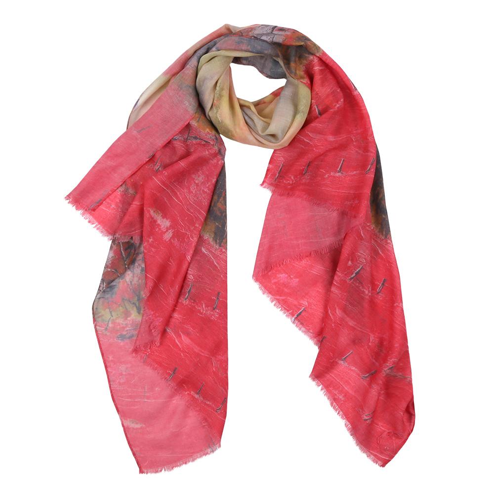 F1604-3Элегантный женский шарф от итальянского бренда Fabretti имеет неповторимую мягкость и легкость фактуры. Красочное сочетание цветов позволило дизайнерам создать изысканную модель, которая станет изюминкой любого весеннего образа.