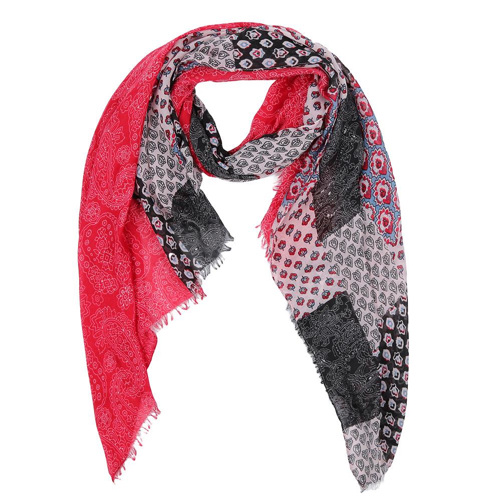 ШарфLeo459-AЭлегантный женский шарф от итальянского бренда Fabretti имеет неповторимую мягкость и легкость фактуры. Красочное сочетание цветов позволило дизайнерам создать изысканную модель, которая станет изюминкой любого весеннего образа.
