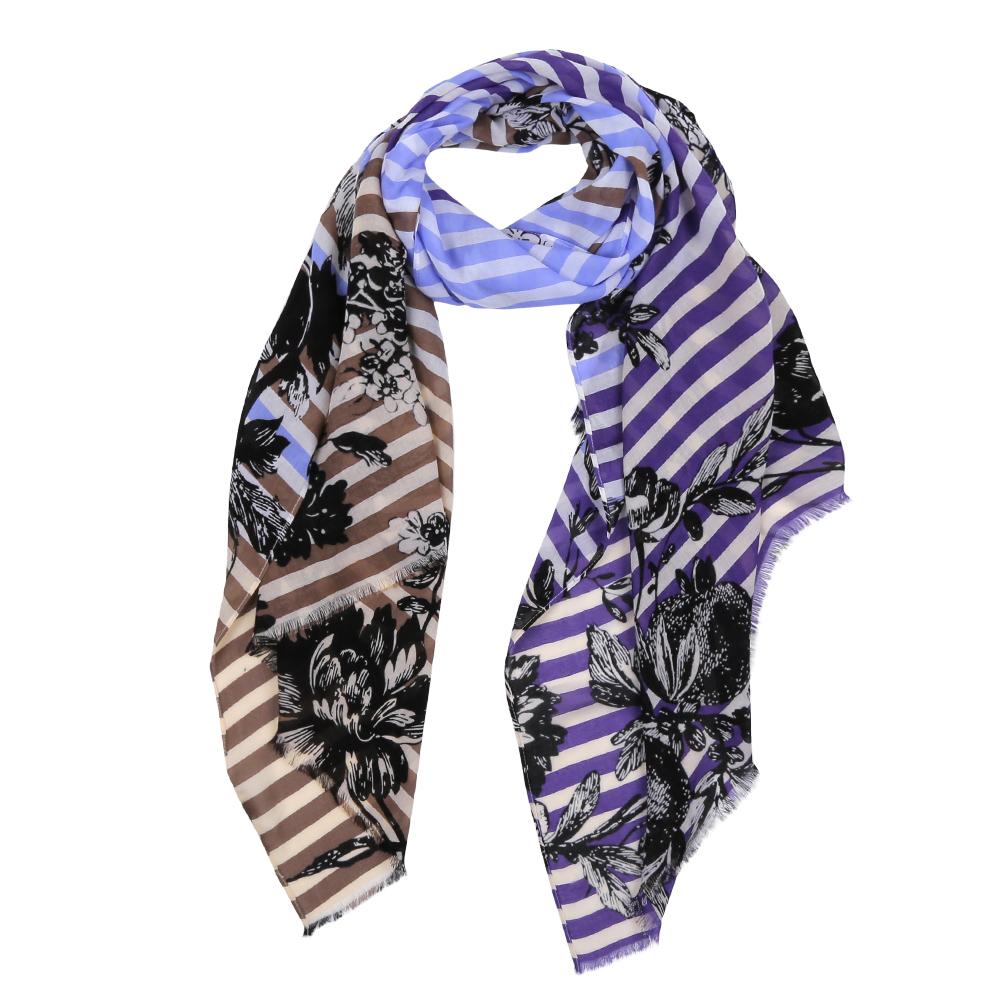 ШарфDS2016-003-1Элегантный женский шарф от итальянского бренда Fabretti имеет неповторимую мягкость и легкость фактуры. Красочное сочетание цветов позволило дизайнерам создать изысканную модель, которая станет изюминкой любого весеннего образа.