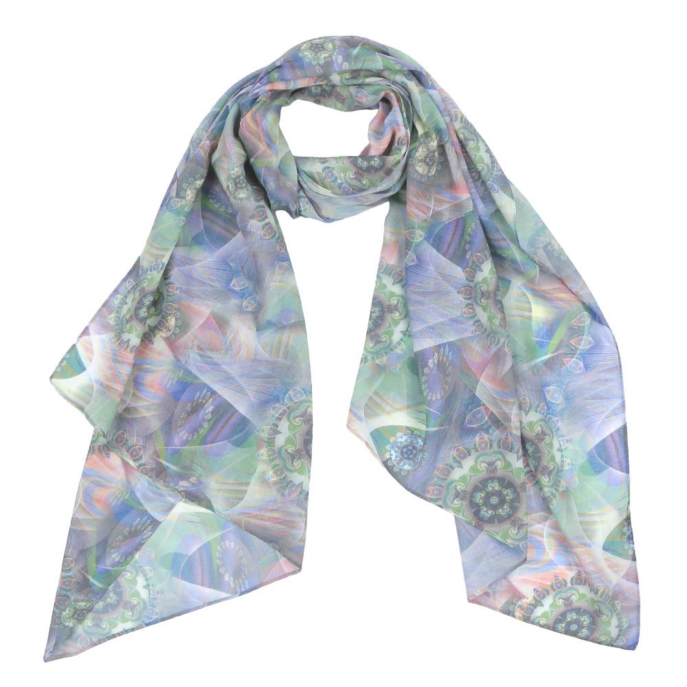 ШарфF1550-1Элегантный женский шарф от итальянского бренда Fabretti имеет неповторимую мягкость и легкость фактуры. Красочное сочетание цветов позволило дизайнерам создать изысканную модель, которая станет изюминкой любого весеннего образа.