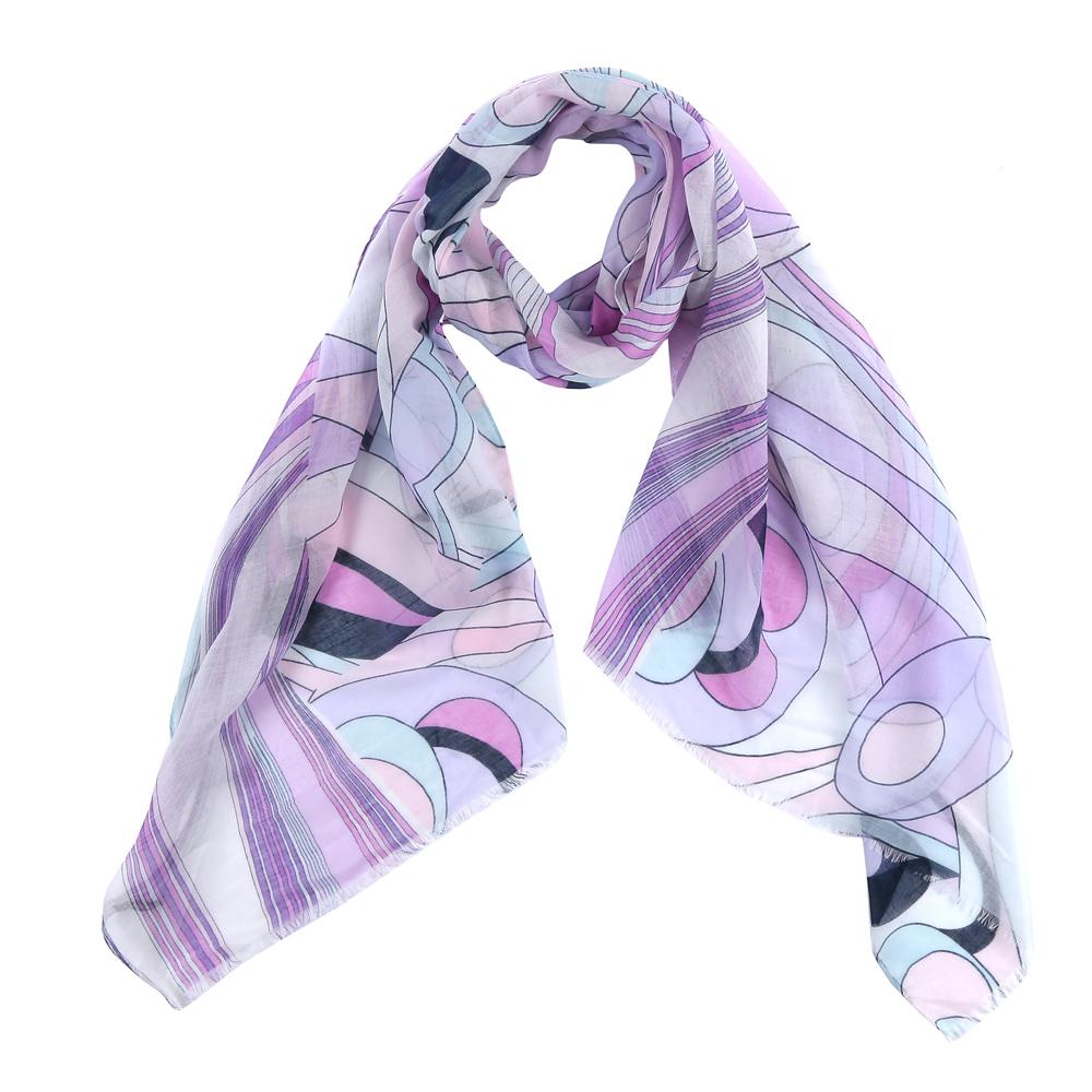 ШарфFR2150-1Элегантный женский шарф от итальянского бренда Fabretti имеет неповторимую мягкость и легкость фактуры. Сочетание цветов позволило дизайнерам создать изысканную модель, которая станет изюминкой любого весеннего образа.
