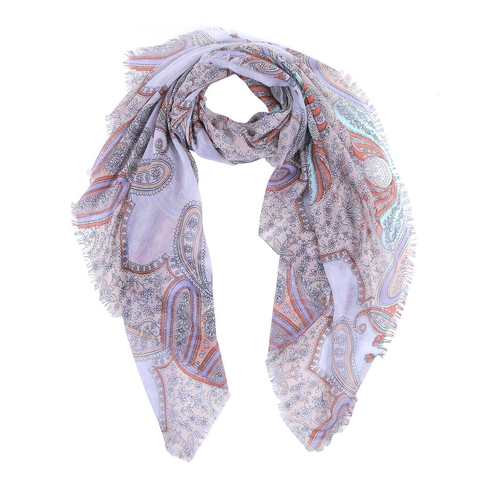 ШарфLR2016-88-1Элегантный женский шарф от итальянского бренда Fabretti имеет неповторимую мягкость и легкость фактуры. Красочное сочетание цветов позволило дизайнерам создать изысканную модель, которая станет изюминкой любого весеннего образа.