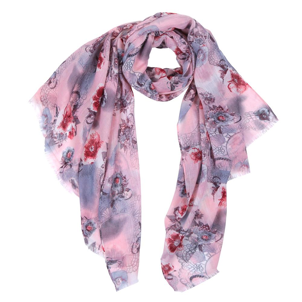 ШарфHV0296-1Элегантный женский шарф от итальянского бренда Fabretti имеет неповторимую мягкость и легкость фактуры. Красочное сочетание цветов позволило дизайнерам создать изысканную модель, которая станет изюминкой любого весеннего образа.